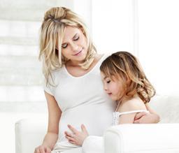 20121203121948495_zwangere-vrouw-met-kind